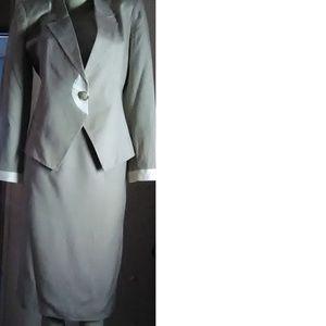 Larry Levine Beige Skirt Suit Size 6